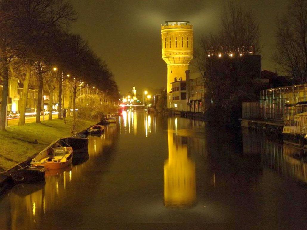 Watertoren bij nacht